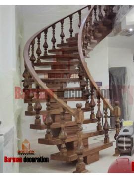 پله گرد چوبی با نرده چوبی بسیار شیک و زیبا