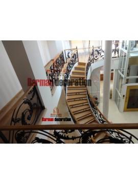 پله گرد -پله پیچ با نرده فرفورژه پاسداران